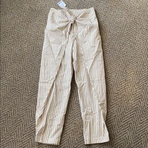 Urban never worn taupe, front tie cropped pant